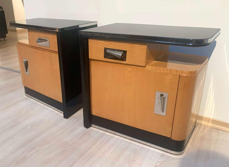Metal Pair of Art Deco Nightstands, Maple and Chrome, France, circa 1940 For Sale