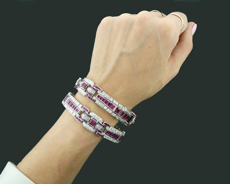Pair of Art Deco Ruby and Diamond Platinum Bracelets In Excellent Condition For Sale In New York, NY