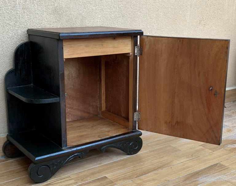 Pair of Art Deco Side Cabinets or Nightstands with Ebonized Base and Burl Walnut For Sale 7
