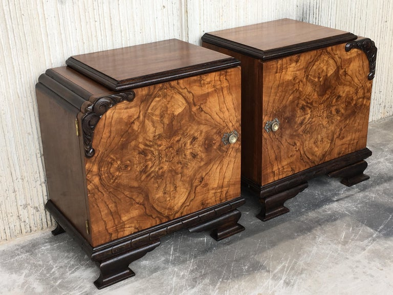 French Pair of Art Deco Side Cabinets or Nightstands with Ebonized Base and Burl Walnut