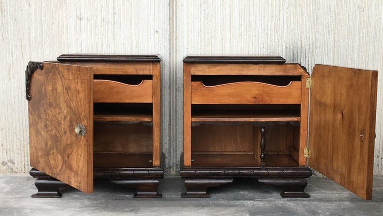 20th Century Pair of Art Deco Side Cabinets or Nightstands with Ebonized Base and Burl Walnut