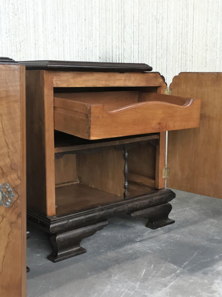 Pair of Art Deco Side Cabinets or Nightstands with Ebonized Base and Burl Walnut 3