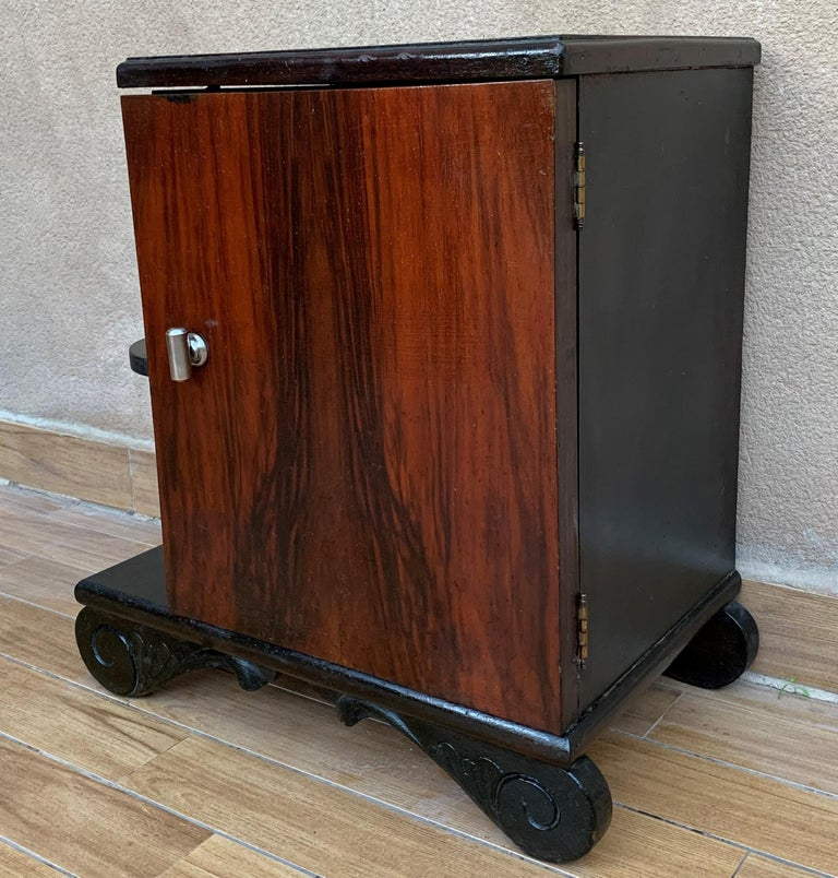 Pair of Art Deco Side Cabinets or Nightstands with Ebonized Base and Burl Walnut For Sale 3