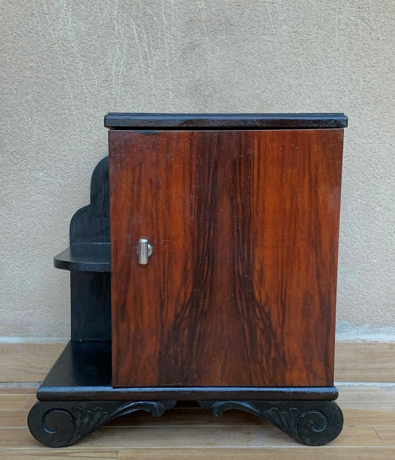 Pair of Art Deco Side Cabinets or Nightstands with Ebonized Base and Burl Walnut For Sale 4