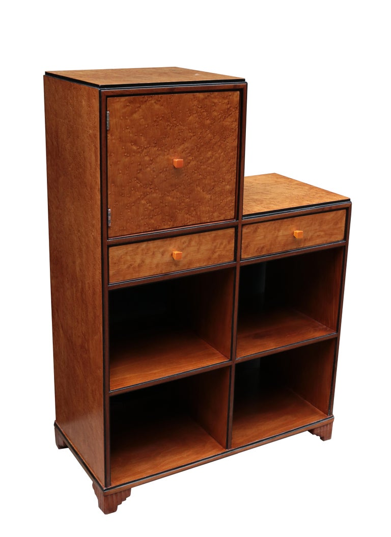 Pair of Art Deco Skyscraper Cabinets In Good Condition For Sale In New York, NY