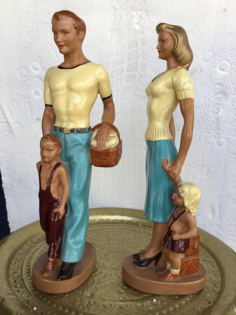 Pair of Art Deco Style Hand Painted Figurines of Couple with Their Children In Good Condition For Sale In Palm Springs, CA