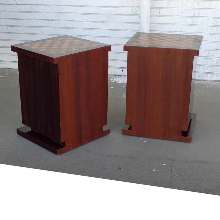Pair of Art Deco Style Nightstands or Side Tables In Good Condition For Sale In Pasadena, TX