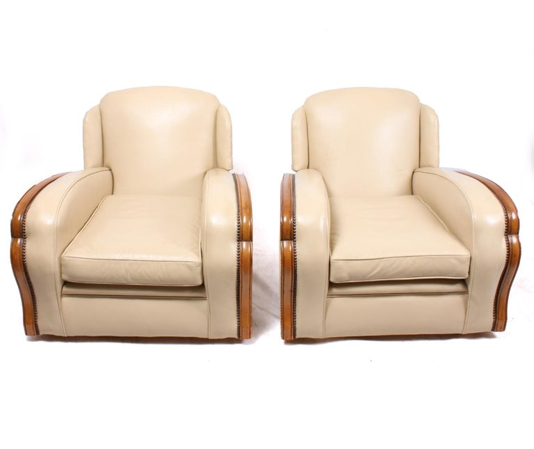 Pair of Art Deco Tank Armchairs in Leather 4
