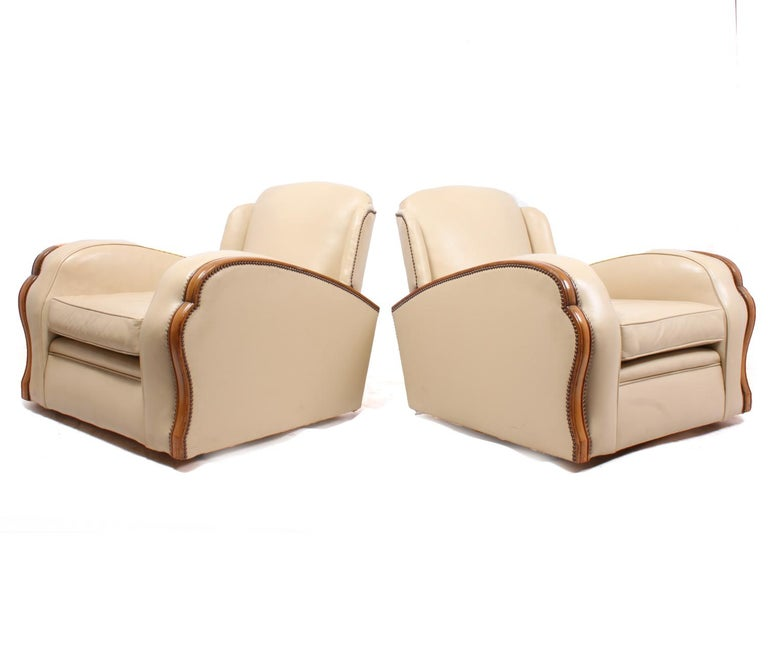 Pair of Art Deco Tank Armchairs in Leather 5