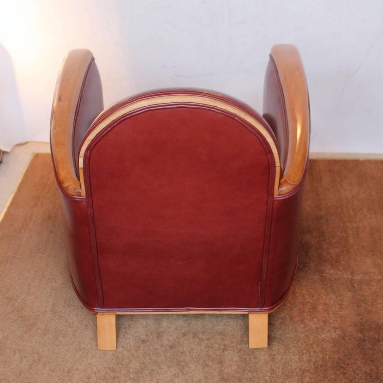 Pair of Art Deco Tub Chairs For Sale 1