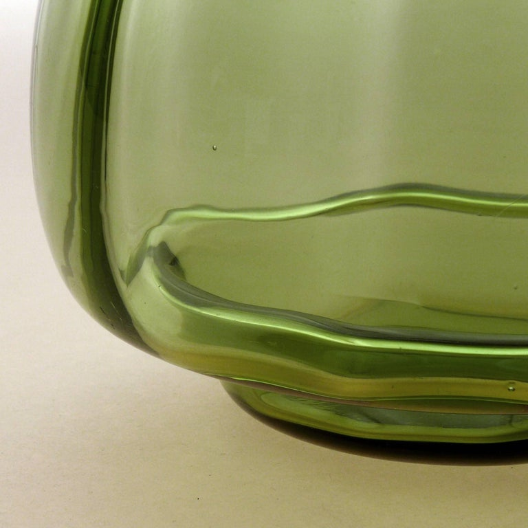 Pair of Art Deco Vases In Good Condition For Sale In Amsterdam, NL