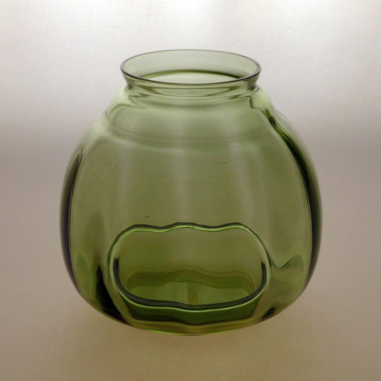 Early 20th Century Pair of Art Deco Vases For Sale