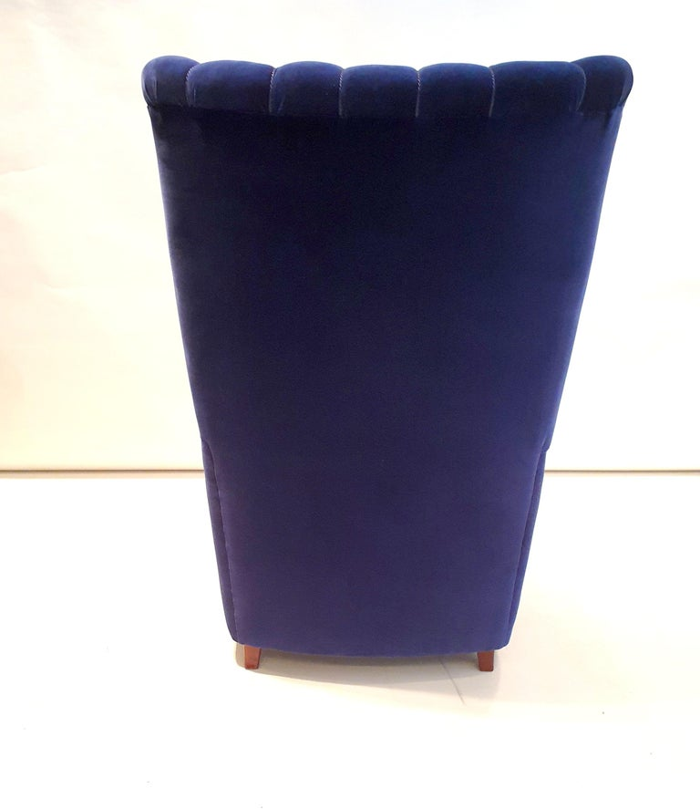 Pair of  Art Deco Velvet Covered Armchairs attributed to Guglielmo Ulrich In Good Condition For Sale In London, GB