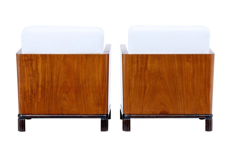 20th Century Pair of Art Deco Walnut Club Armchairs For Sale
