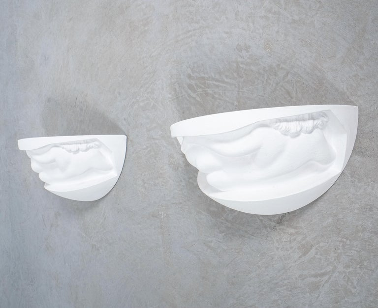 Pair of Art Deco White Plaster Sconces Wall Lamps Nudes, France, circa 1935 For Sale 4
