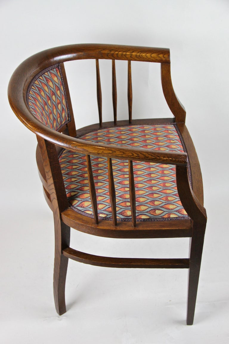 Pair of Art Nouveau Armchairs Newly Upholstered, Austria, circa 1910 For Sale 7