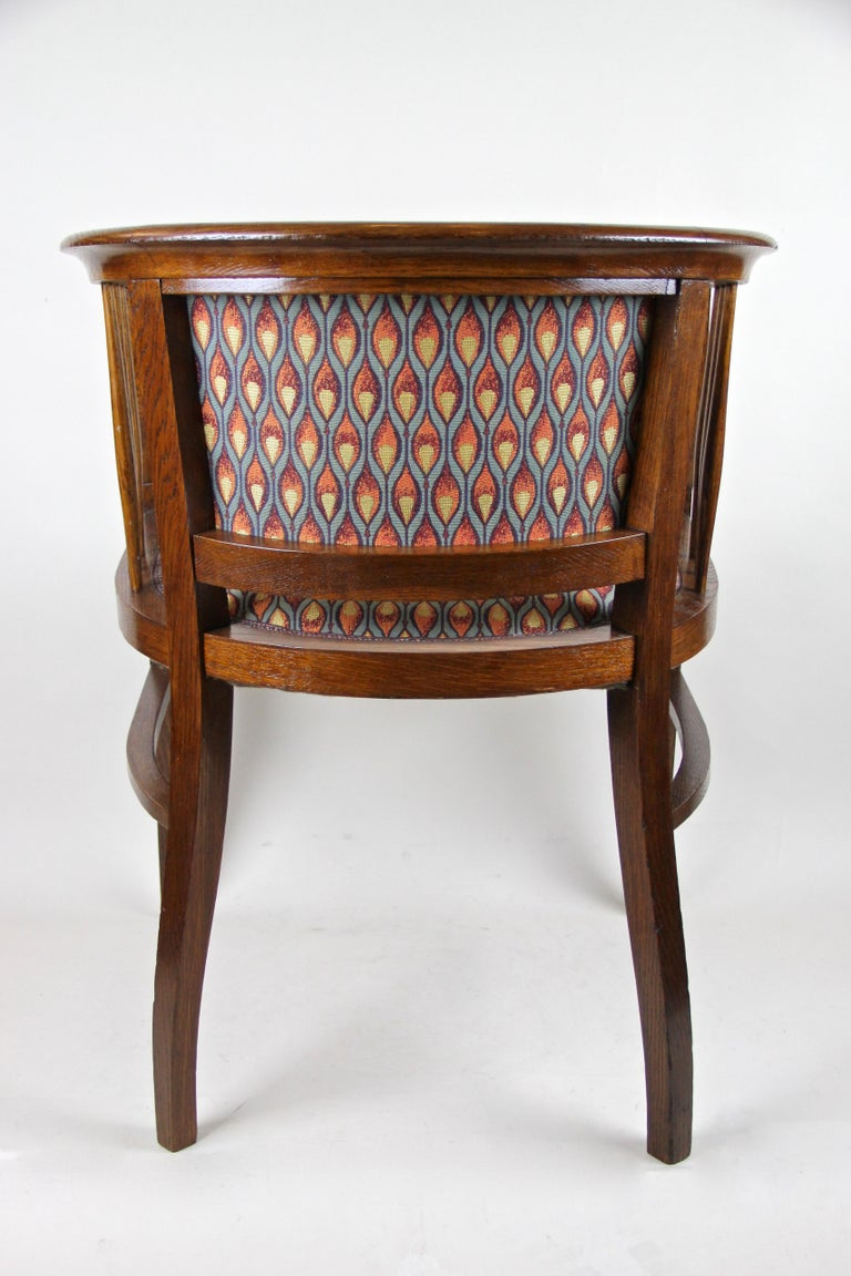 20th Century Pair of Art Nouveau Armchairs Newly Upholstered, Austria, circa 1910 For Sale