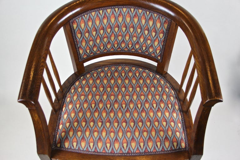 Pair of Art Nouveau Armchairs Newly Upholstered, Austria, circa 1910 For Sale 1