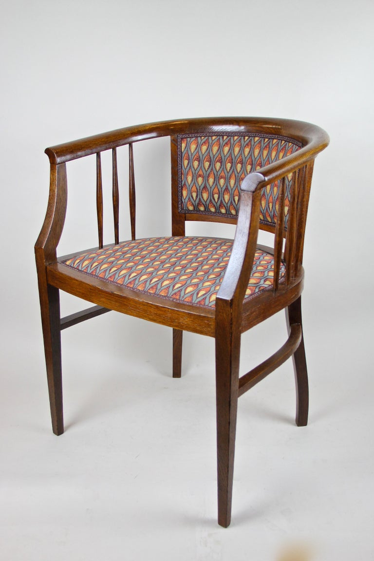 Pair of Art Nouveau Armchairs Newly Upholstered, Austria, circa 1910 For Sale 2