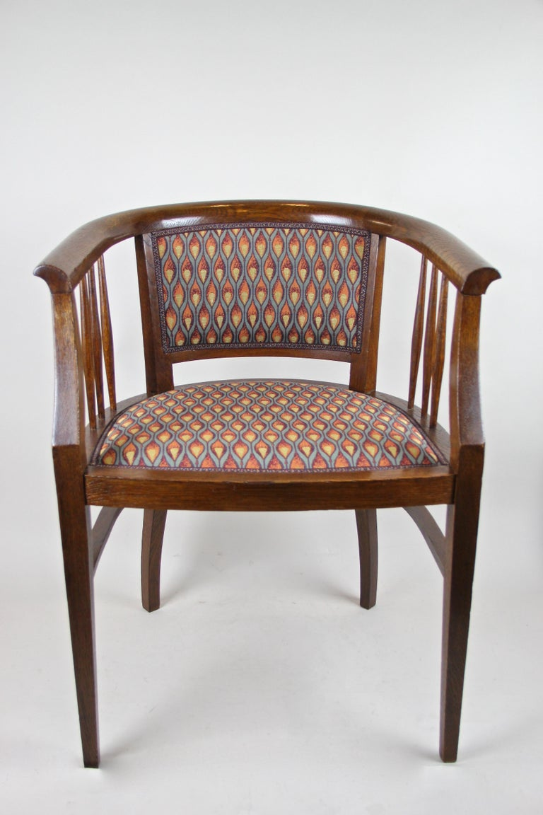 Pair of Art Nouveau Armchairs Newly Upholstered, Austria, circa 1910 For Sale 3