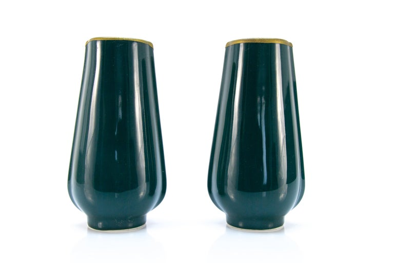 Pair of Art Nouveau Green Ceramic Vases Decorated with Glass Stones In Good Condition For Sale In Barntrup, DE