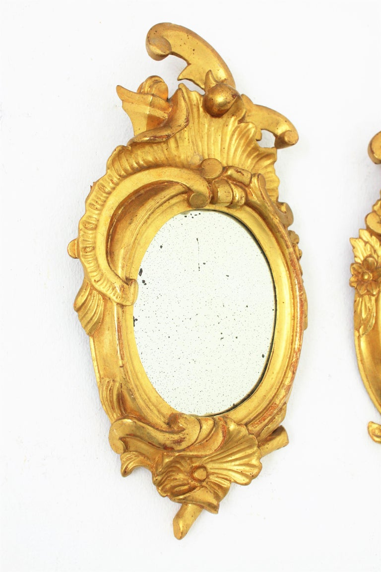 20th Century Pair of Art Nouveau Left and Right Gold Leaf Giltwood Mini Sized Mirrors For Sale