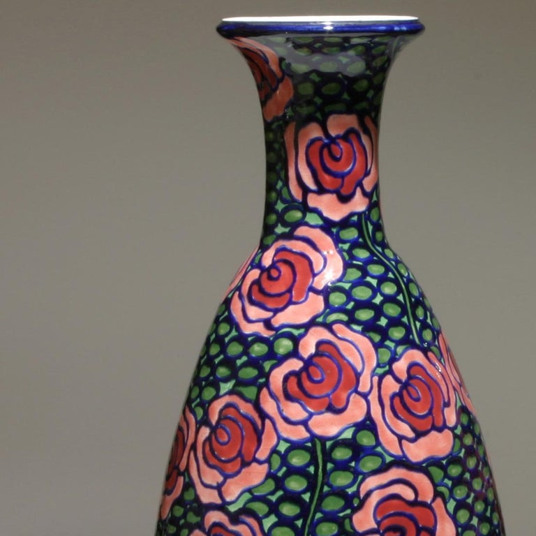 Pair of Red and Green Art Nouveau Vases  In Excellent Condition For Sale In New York, NY