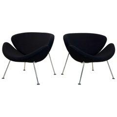 Pair of Artifort F437 Orange Slice Chairs by Pierre Paulin