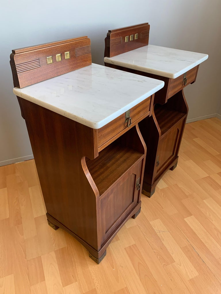 Hand-Carved Pair of Arts and Crafts Mahogany Bedside Cabinets / Nightstands with Marble Tops For Sale