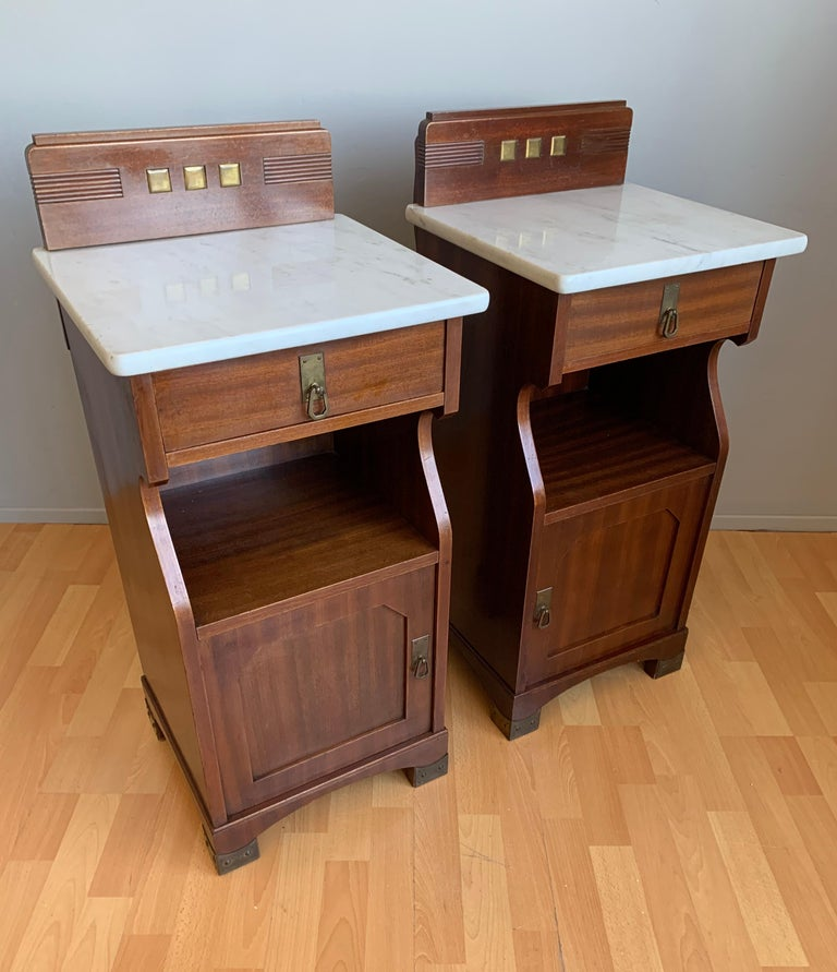 Brass Pair of Arts and Crafts Mahogany Bedside Cabinets / Nightstands with Marble Tops For Sale