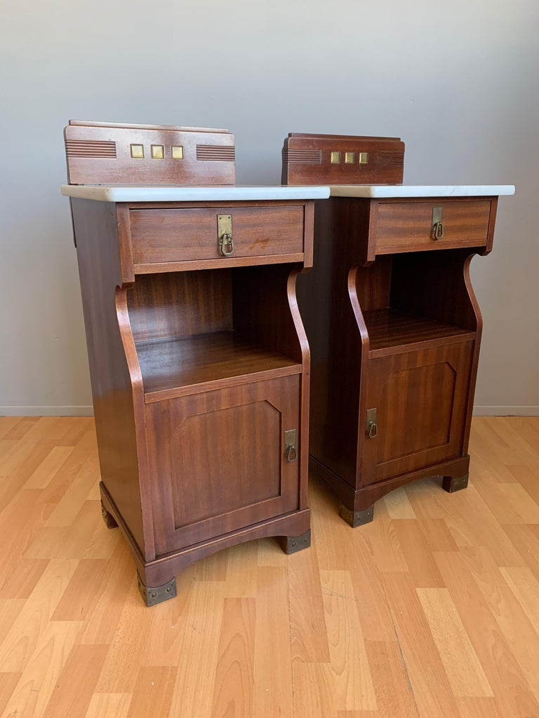 Pair of Arts and Crafts Mahogany Bedside Cabinets / Nightstands with Marble Tops For Sale 1