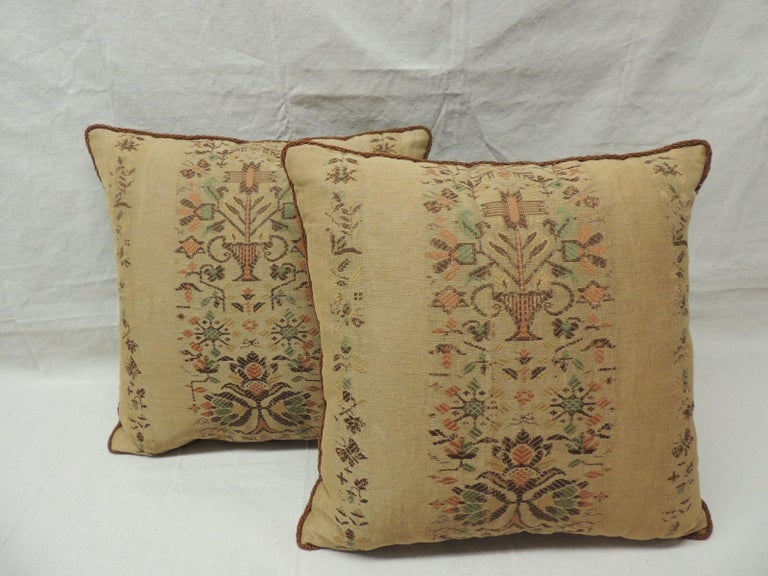 Arts and Crafts Pair of Arts & Crafts Woven Linen Green and Orange Floral Decorative Pillows