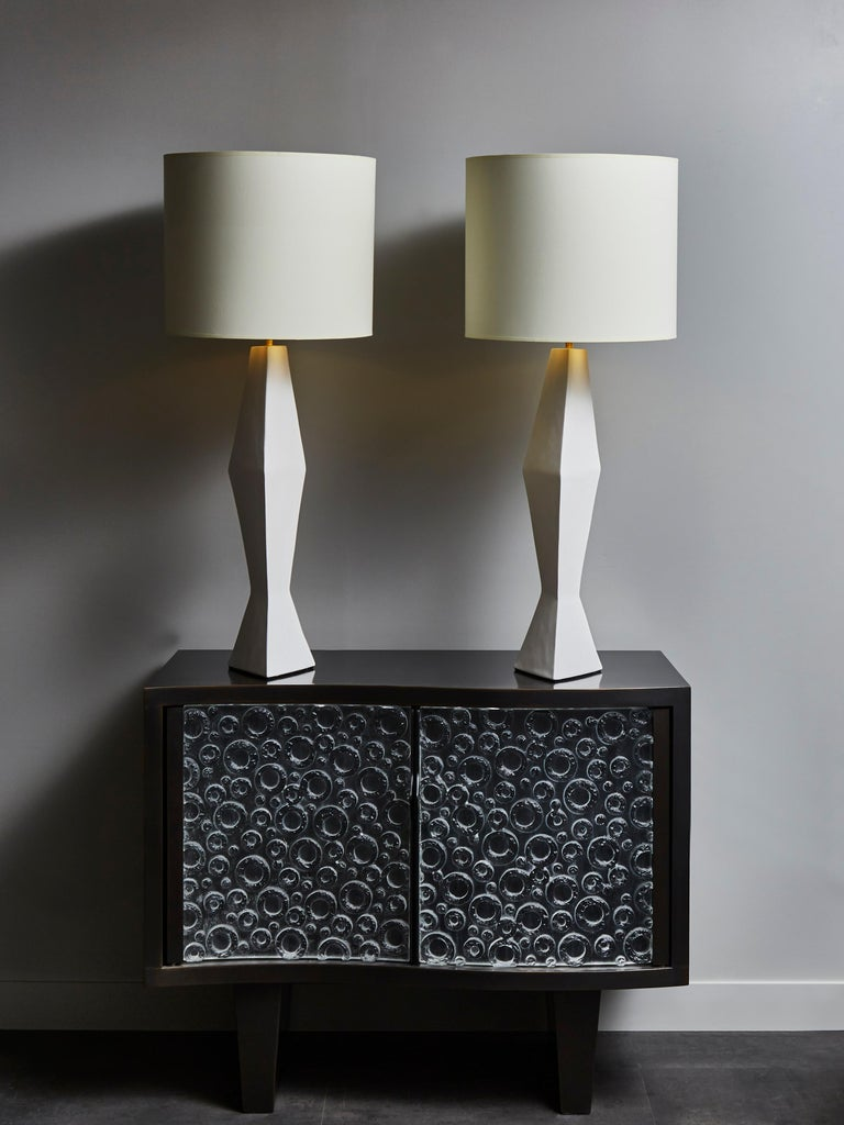 Modern Pair of Asymetrical Plaster Table Lamps For Sale