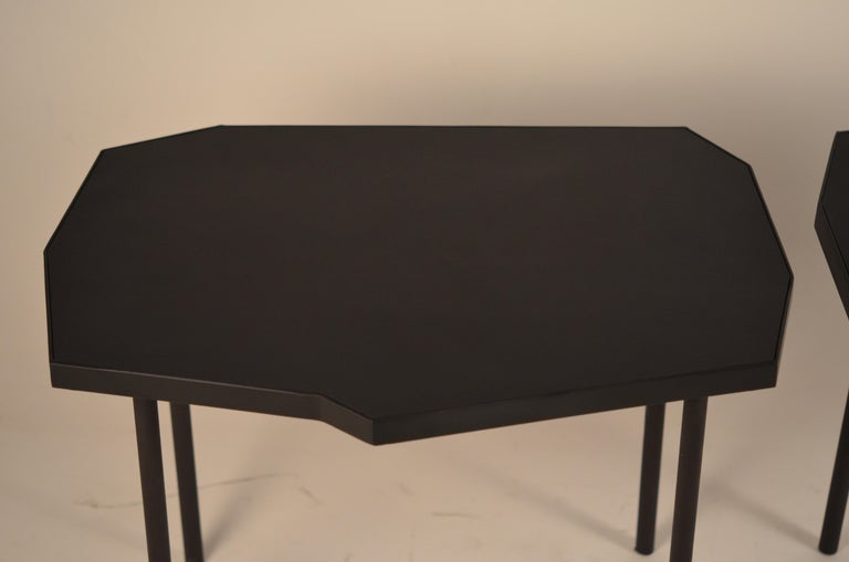 Pair of Asymmetrical 'Décagone' Black Leather Side Tables by Design Frères For Sale 3
