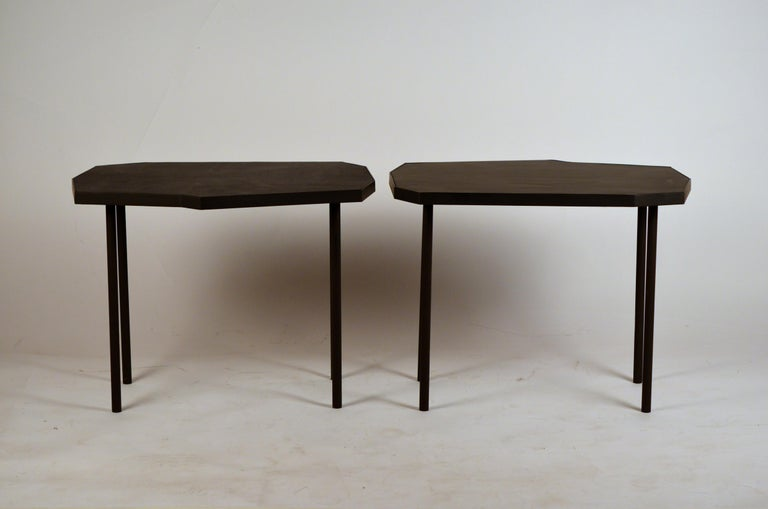 Modern Pair of Asymmetrical 'Décagone' Black Leather Side Tables by Design Frères For Sale