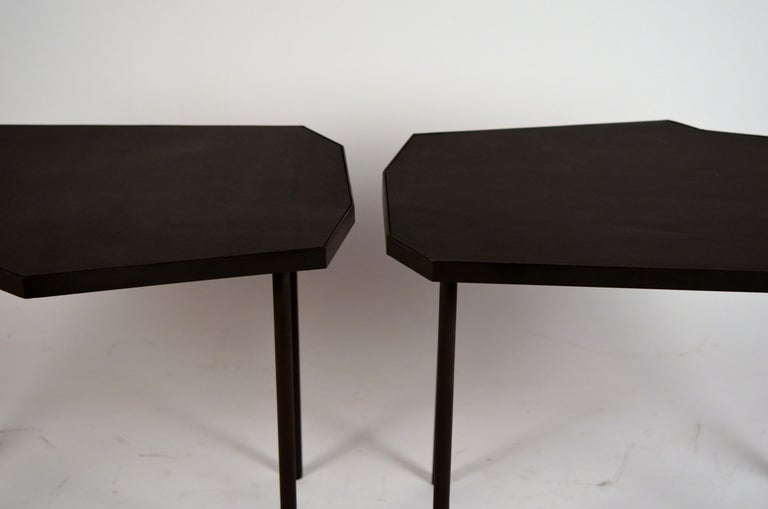 French Pair of Asymmetrical 'Décagone' Black Leather Side Tables by Design Frères For Sale