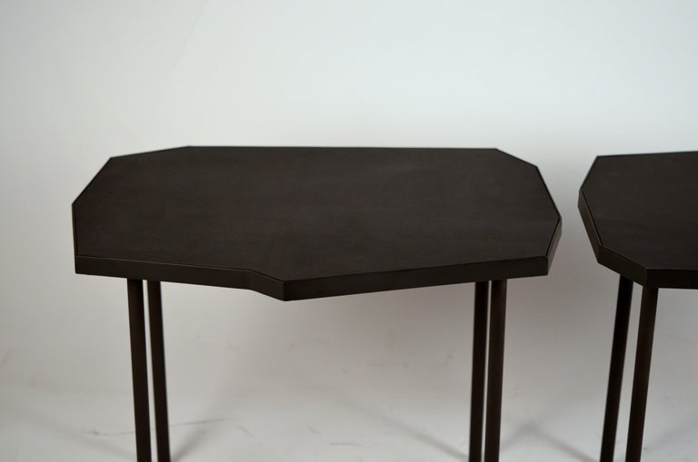 Powder-Coated Pair of Asymmetrical 'Décagone' Black Leather Side Tables by Design Frères For Sale