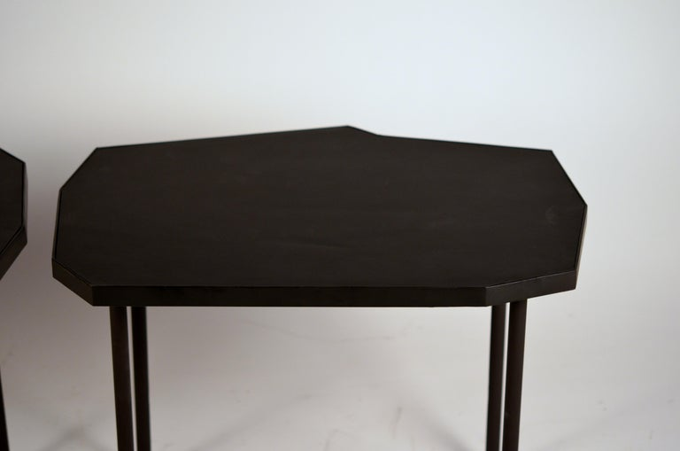 Contemporary Pair of Asymmetrical 'Décagone' Black Leather Side Tables by Design Frères For Sale