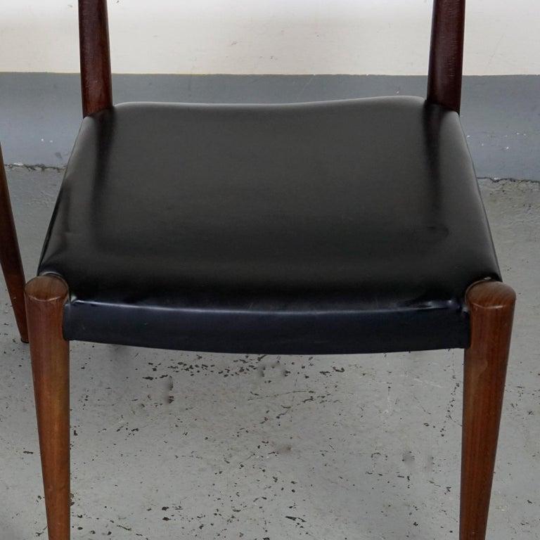 Pair of Austrian Midcentury Beech Dining Chairs by Anna Lülja Praun For Sale 1