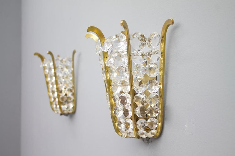Pair of Bakalowits wall sconces in brass and crystal glass, Austria 1950s. Very good condition.