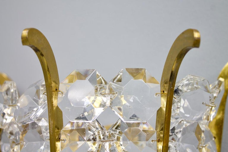 Pair of Bakalowits Wall Lights in Brass and Crystal Glass, Austria, 1950s In Good Condition For Sale In Frankfurt / Dreieich, DE