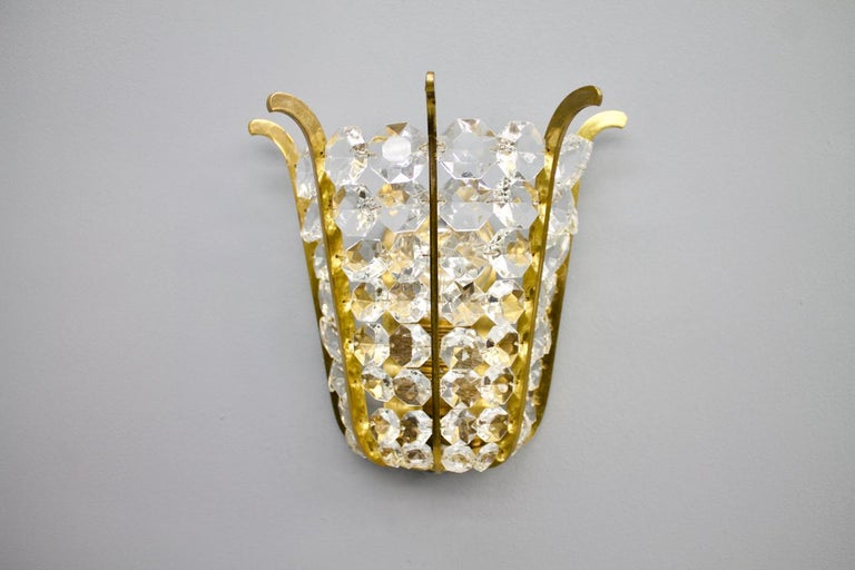 Pair of Bakalowits Wall Lights in Brass and Crystal Glass, Austria, 1950s For Sale 1