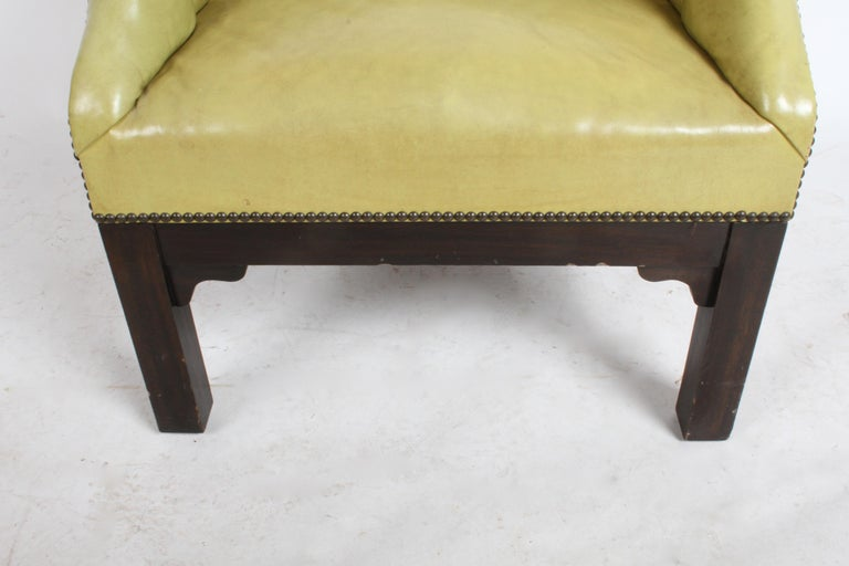 Pair of Baker Mid-Century Leather Tufted Lounge Chairs In Good Condition For Sale In St. Louis, MO