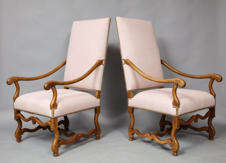 Walnut Pair of Baroque Armchairs For Sale