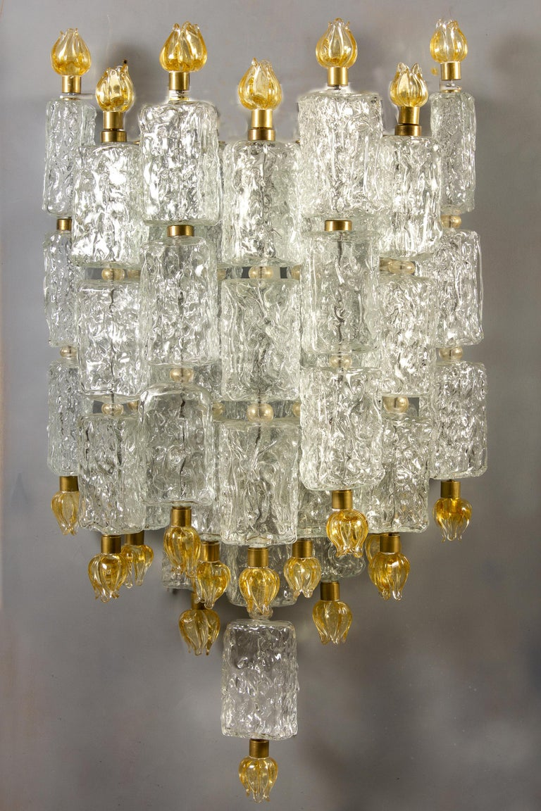 Outstanding pair of Barovier sconces with glass blocks ending and delicious hand blown gold tulips. We have 2 pairs and available also a magnificent chandelier from the same provenance. Provenance from a Luxurious Tuscany Hotel.