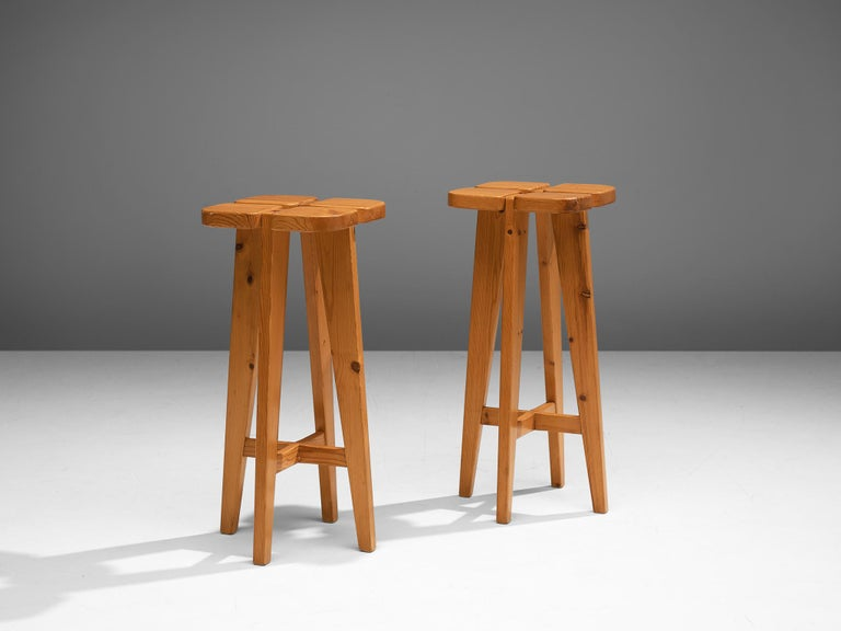 Scandinavian Modern Pair of Barstools in Solid Pine by Lisa Johansson Pape For Sale