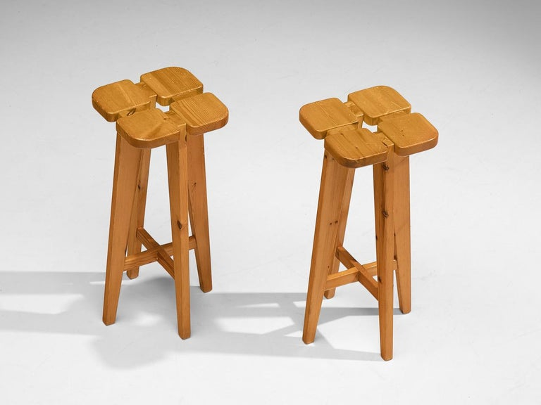 Pair of Barstools in Solid Pine by Lisa Johansson Pape In Good Condition For Sale In Waalwijk, NL