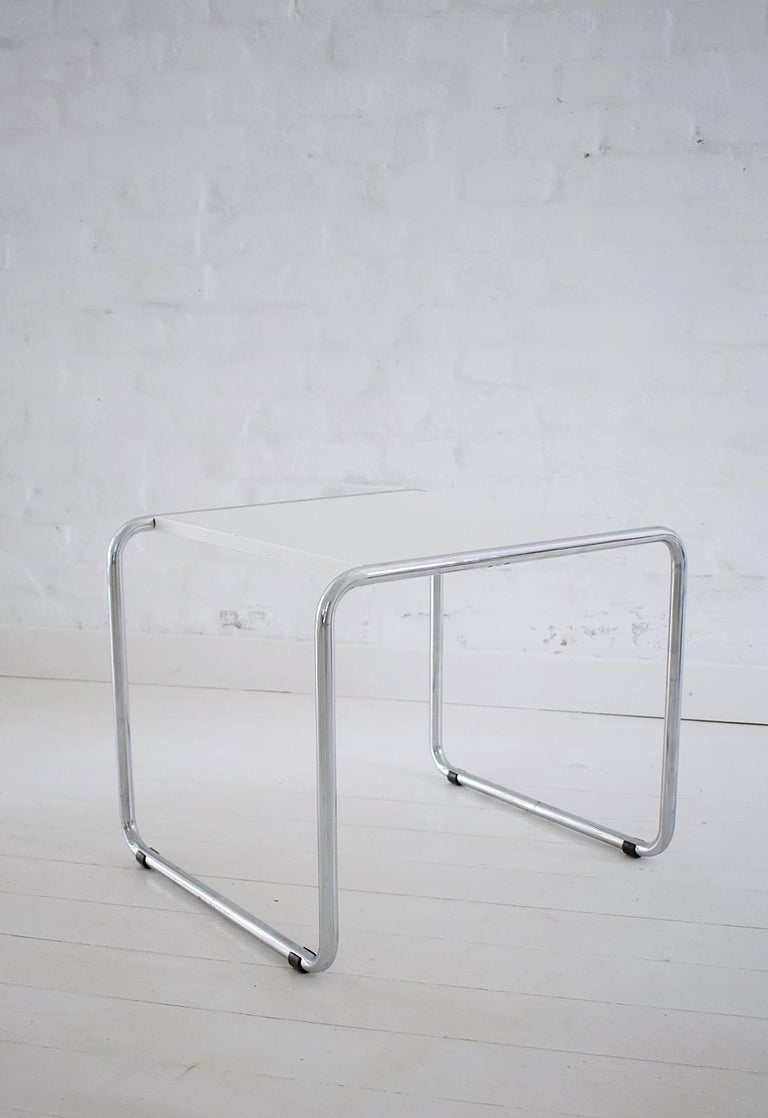 Pair of Bauhaus Tubular Side Tables after Marcel Breuer, Italy, 1990 In Good Condition For Sale In Debrecen-Pallag, HU