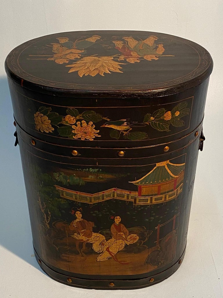 Pair of Beautiful Chinese Painted End Table Nightstands with Storage For Sale 10