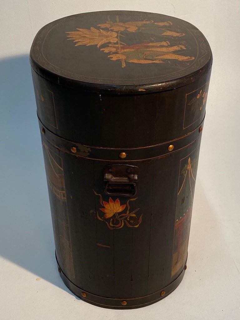 Pair of Beautiful Chinese Painted End Table Nightstands with Storage For Sale 13